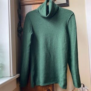 GAP Vintage Green Turtleneck Sweater